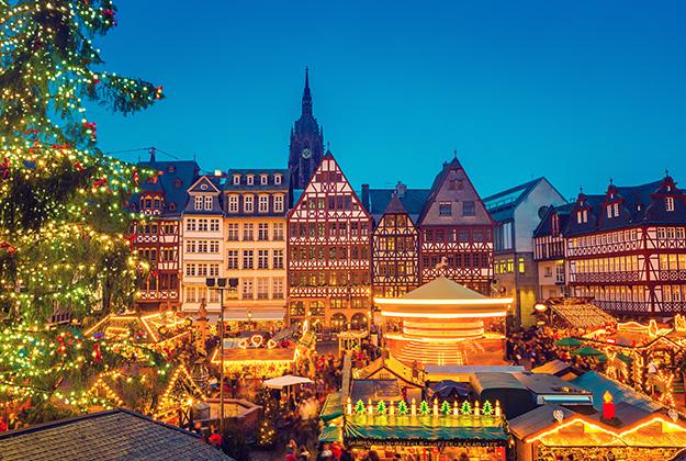 Voel de kerstsfeer! Bezoek de kerstmarkt van Frankfurt am Main, de stad met meerdere gezichten. Of bezoek de kerstmarkt van Mainz met haar traditionele uitstraling.